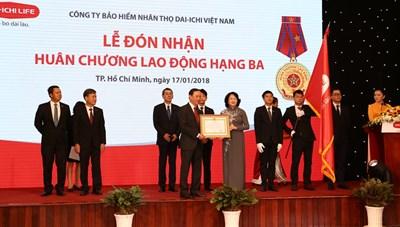 Phó Chủ tịch nước trao Huân chương Lao động hạng Ba cho Dai-ichi Việt Nam
