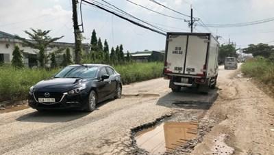 TP Hồ Chí Minh: Nhiều tuyến đường xuống cấp trầm trọng