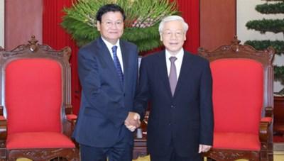 Thủ tướng Lào Thongloun Sisoulith hội kiến lãnh đạo cấp cao Việt Nam