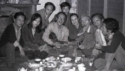 Triển lãm ảnh 'Những người muôn năm cũ'