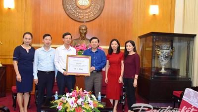 Tỉnh Thái Nguyên ủng hộ đồng bào bão lũ 1 tỷ đồng