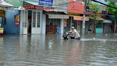 TP Hồ Chí Minh: Nỗi lo đường xuống cấp sau mưa