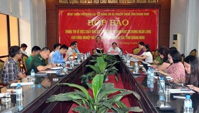 Trung Quốc điều 14 xe chữa cháy hỗ trợ Quảng Ninh