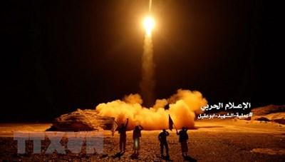 Liên quân do Arab Saudi đứng đầu đánh chặn tên lửa của Houthi