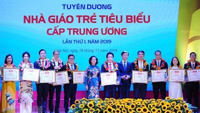 75 nhà giáo trẻ tiêu biểu nhận giải thưởng của Trung ương Đoàn
