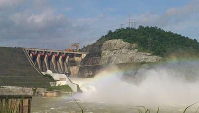 [VIDEO] Đầu tư Dự án nhà máy thủy điện Hòa Bình mở rộng