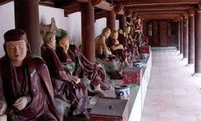 Tượng Phật ở chùa Dâu