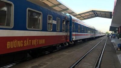 Trên 3.200 lao động đường sắt tạm thời mất việc