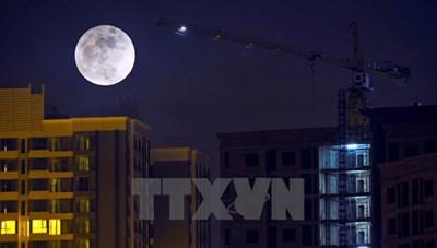 [Ảnh] Sững sờ với siêu trăng lớn nhất 100 năm qua tại Hà Nội