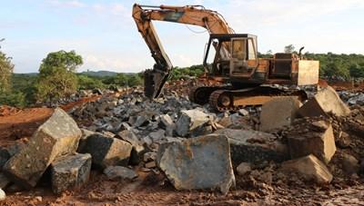 Bình Phước: Phát hiện một công trường khai thác đá trái phép