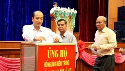 BẢN TIN MẶT TRẬN: Nhiều hoạt động quyên góp ủng hộ miền Trung