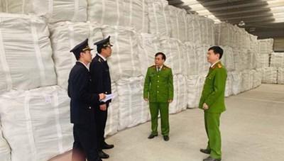 Bắt giữ hơn 18.000 tấn xi măng giả nhãn mác