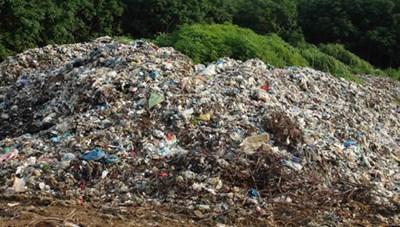 Bỏ ngỏ chính sách quản lý môi trường nông thôn
