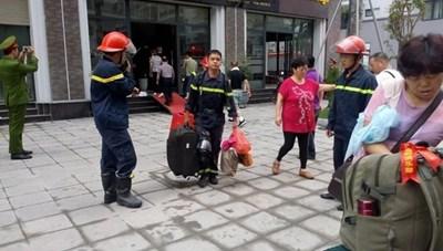 Cháy khách sạn ở Hạ Long, giải cứu 5 du khách Trung Quốc mắc kẹt