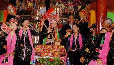 Diễn xướng dân gian dân tộc Thái khu vực Tây Bắc