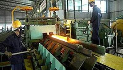 Kiểm soát chặt khí thải và nước thải ngành thép