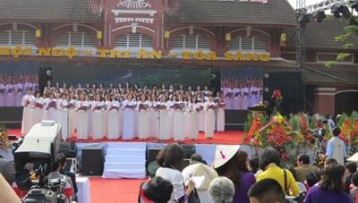 Kỷ niệm 100 năm trường Đồng Khánh-Hai Bà Trưng