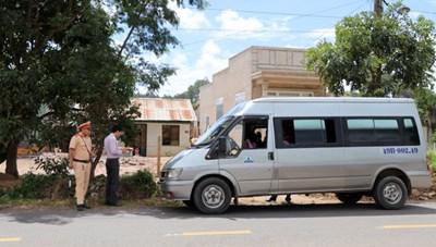 Lâm Đồng: Xử lý nghiêm xe dù, bến cóc