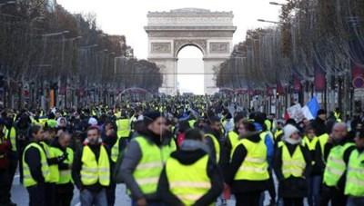 Pháp: Đụng độ trong cuộc biểu tình của phe 'áo vàng'