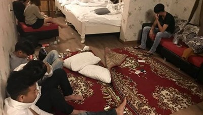 Phát hiện hàng chục người phê ma túy trong khách sạn
