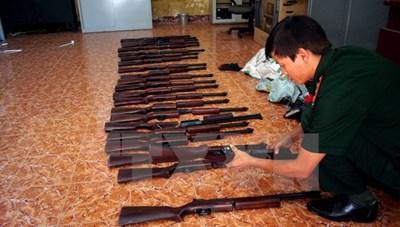 Phát hiện vụ vận chuyển súng hơi trên chuyến bay từ Nga về Nội Bài