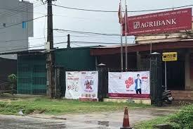 Phú Thọ: Tên cướp bịt mặt, lao vào phòng giao dịch Agribank cướp 500 triệu đồng