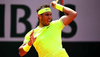 Rafael Nadal và Roger Federer đua nhau 'phô trương sức mạnh'