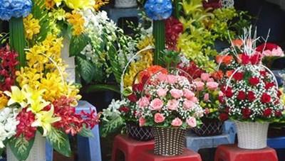 Sôi động thị trường hoa tươi