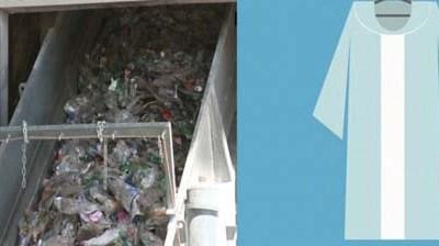 Tái chế vỏ chai nhựa thành áo choàng tốt nghiệp