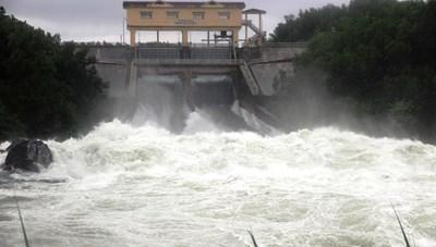 Thủy điện xả nước, cảnh báo lũ các vùng trũng, thấp ở Quảng Nam