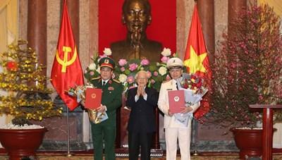 Tổng Bí thư, Chủ tịch nước Nguyễn Phú Trọng trao quyết định thăng hàm 2 Đại tướng