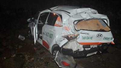Vũng Tàu: Taxi lao xuống biển, hành khách tử vong, lái xe nguy kịch