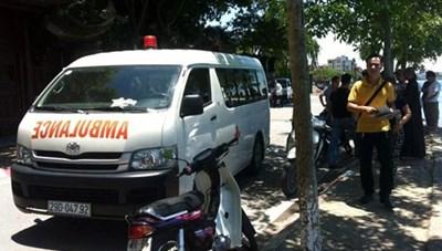 Hà Nội: Nam thanh niên chết gục trong xe ô tô đỗ trước cổng chùa