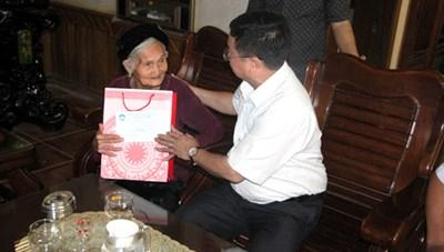 MTTQ Nghệ An: Khởi công nhà Đại Đoàn kết, thăm và tặng quà gia đình chính sách