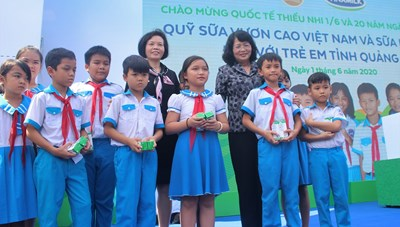 Vinamilk dành hơn 5,6 triệu ly sữa cho trên 34.000 trẻ em Quảng Nam