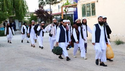 Afghanistan phóng thích 900 tù nhân Taliban