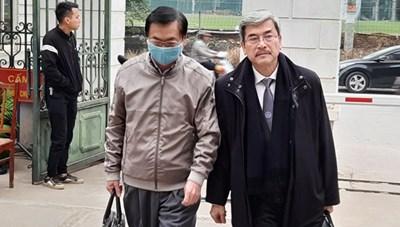 Cựu Bộ trưởng Công Thương Vũ Huy Hoàng đến tòa với tư cách bị cáo