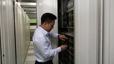 Khách hàng của VNPT tại các tỉnh có dịch thoải mái lướt web, học online