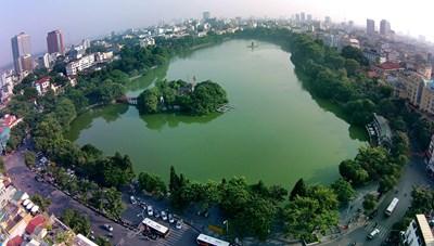Hồ Gươm đang bị bóp nghẹt