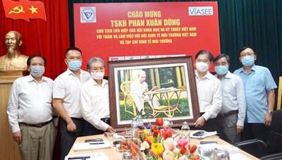 Chủ tịch VUSTA thăm, làm việc với VIASEE và Tạp chí Kinh tế Môi trường