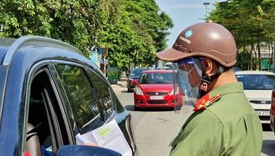 Hà Nội: Dân ra khỏi quận, huyện, Chủ tịch chịu trách nhiệm