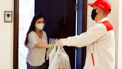 VinMart 'đi chợ hộ', giúp người dân không phải ra khỏi nhà vẫn có hàng tốt