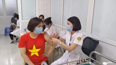 Xem xét cấp giấy phép khẩn cấp với vaccine NanoCovax