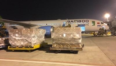 Bamboo Airways chuyển miễn phí hàng cứu trợ đồng bào miền Trung