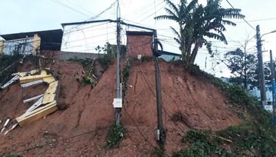 Thủ tướng chỉ đạo cứu hộ nạn nhân bị vùi lấp tại huyện Nam Trà My