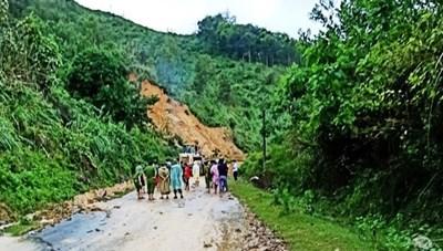 Quảng Nam: Lại sạt lở núi khiến 2 người thương vong