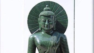 Quảng Ninh: Rước tượng Phật Thích Ca bằng ngọc nguyên khối cao 2,2 m