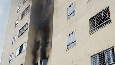 Cháy căn hộ tầng 3 chung cư Trường Thịnh, cư dân hoảng hồn