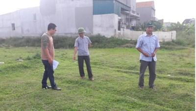 Khởi tố một Chủ tịch xã vì xóm trưởng bán đất trái thẩm quyền