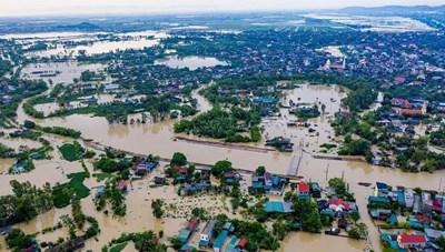 Cận cảnh tâm lũ lịch sử tại Quỳnh Lưu